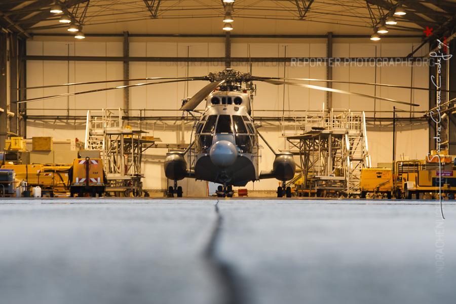 Hélicoptère Super Frelon SA321G de la flottille 32F à Lanvéoc Poulmic [Ref: 3210-04-1142]