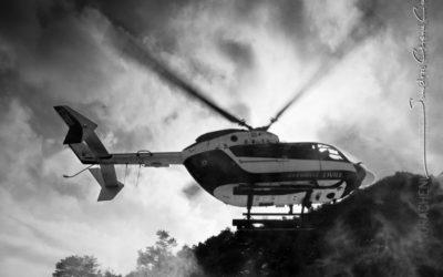 Aterrissage de l'hélicoptère EC-145 Dragon 38-1 en mission de secours