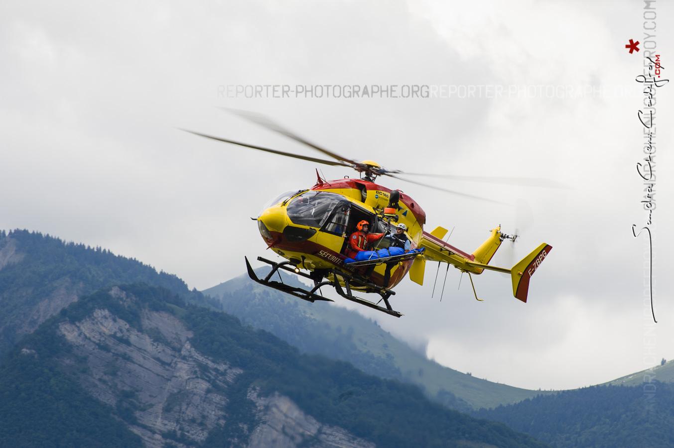 Hélicoptère Dragon 38 du Secours en montagne [Ref: 2311-07-0471]