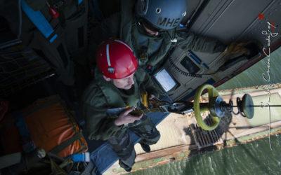 Helitreuillage en mer d'un plongeur démineur [Ref:3210-04-2319]