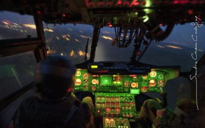 Atterrissage d'un Super Frelon de nuit [Ref:3210-04-3082]