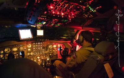 Vue du cockpit d'un C135 survolant le territoire français [Ref: 3511-13-2916]