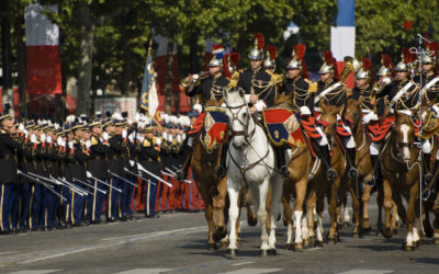 Régiment de cavalerie sur les champs Elysées [Ref:4511-11-0402]