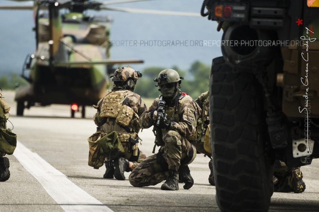 Forces spéciales lors de la démonstration Invalides [Ref:3214-09-1100]