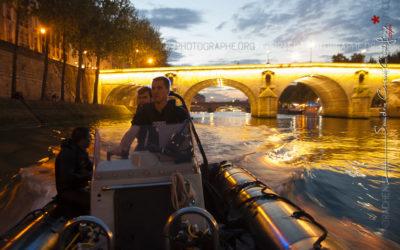 Chronos surveillant une nage en Seine de la brigade fluviale [Ref:1313-10-0446]