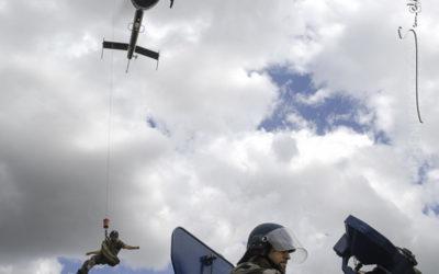 Helitreuillage sur un VBRG Gendarmerie [Ref:1208-19-0223]