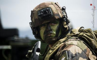 Portrait d'un soldat de l'Armée de Terre [Ref:3214-09-1143]