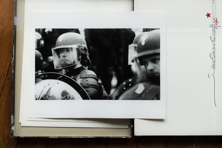 Tirage baryté de gendarme mobile [Ref:0016-08-0006]