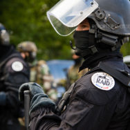 Portrait d'un policier du RAID [Ref:1111-15-0009]