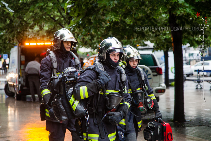 Arrivée de pompiers de la BSPP [Ref:2116-15-0272]