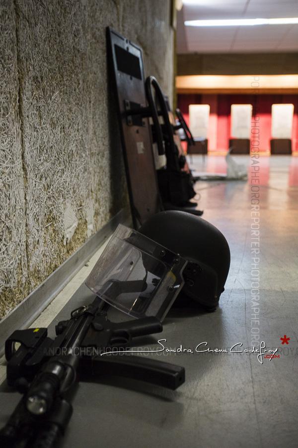 Matériel du RAID au stand de tir [Ref:1115-18-0356]