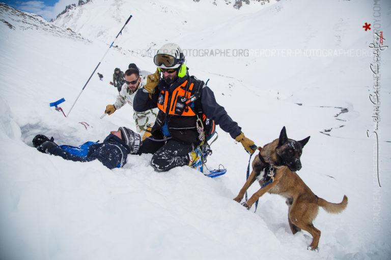 Prise en charge d'une victime d'avalanche repérée par Lasko [Ref:2317-07-0452]