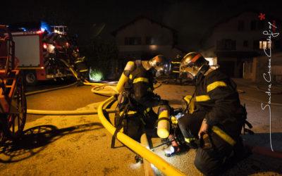 Pompiers vérifiant leurs ARI [Ref:2110-03-2268]