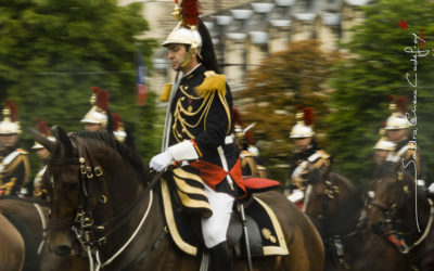 Cavalier de la Garde Républicaine sous la pluie [Ref:4510-10-0663]