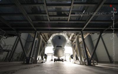 Airbus Beluga sortant de son hangar [Ref:3513-19-0494]